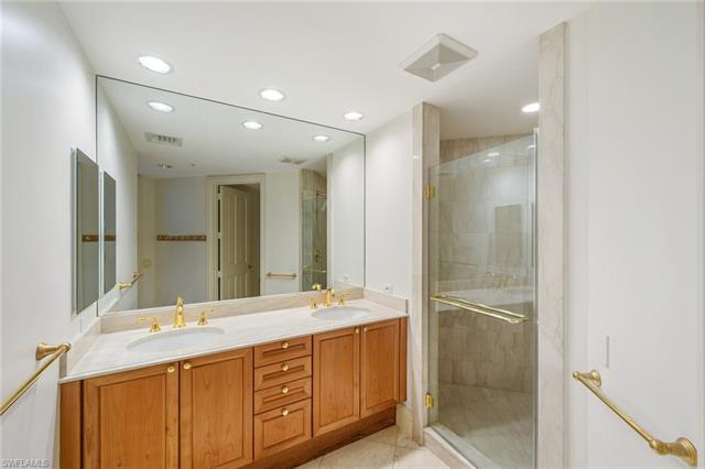 218074352 Property Photo