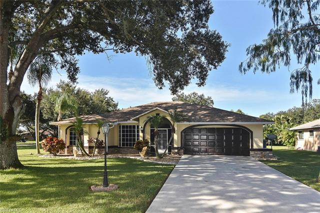 Three Oaks, Fort Myers, Florida Real estate