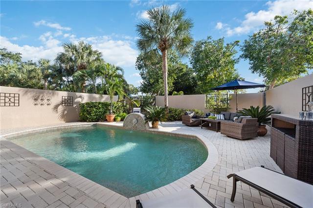 Villas Pienza, Naples, Florida Real Estate