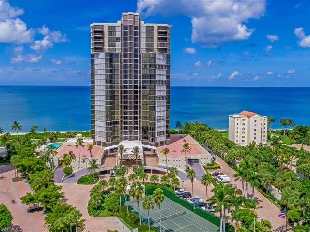 Le Parc, Naples, Florida Real Estate