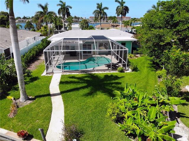 Isles of Capri, Naples, Florida Real Estate
