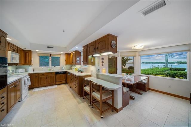 221062785 Property Photo