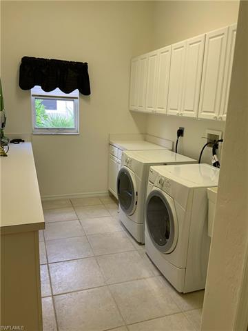 221071268 Property Photo