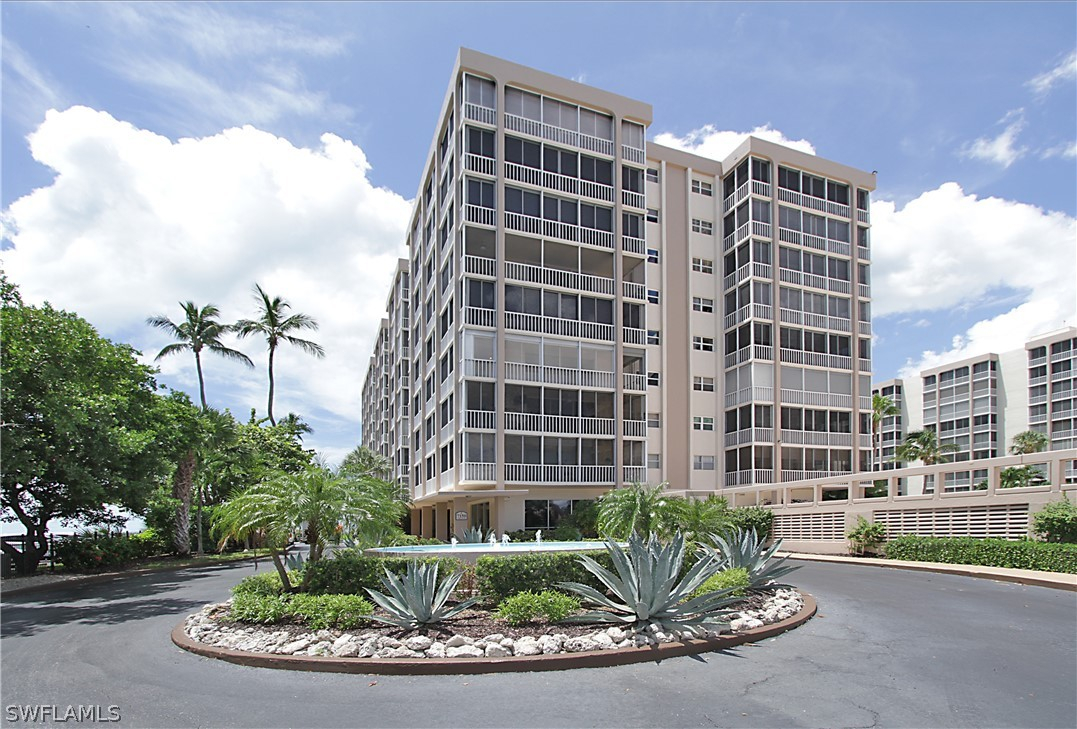 Creciente, Fort Myers Beach, Florida Real Estate