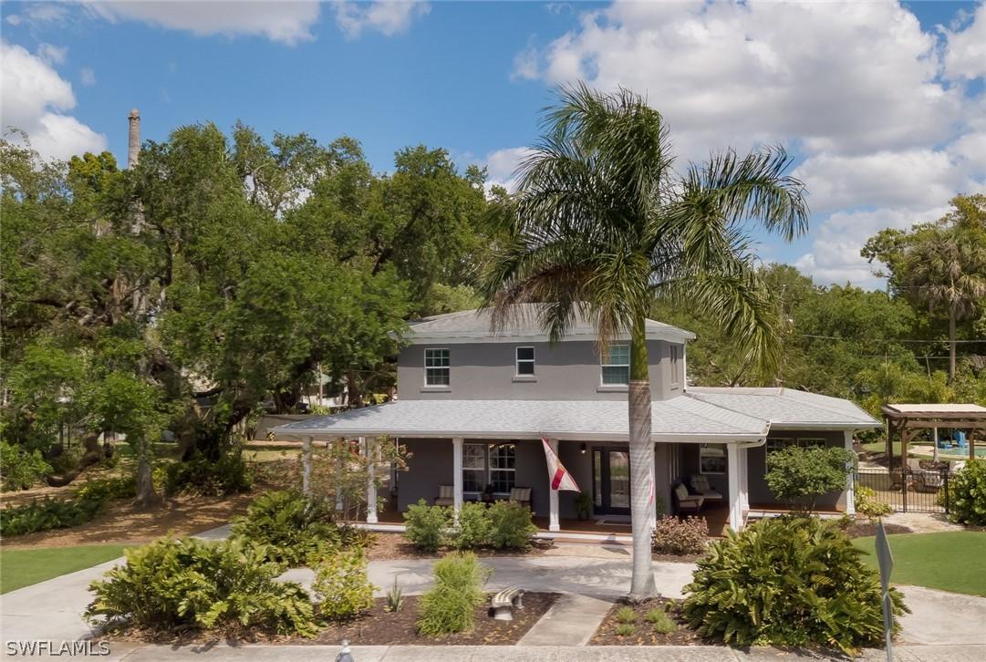 Carlton Grove, Fort Myers, florida