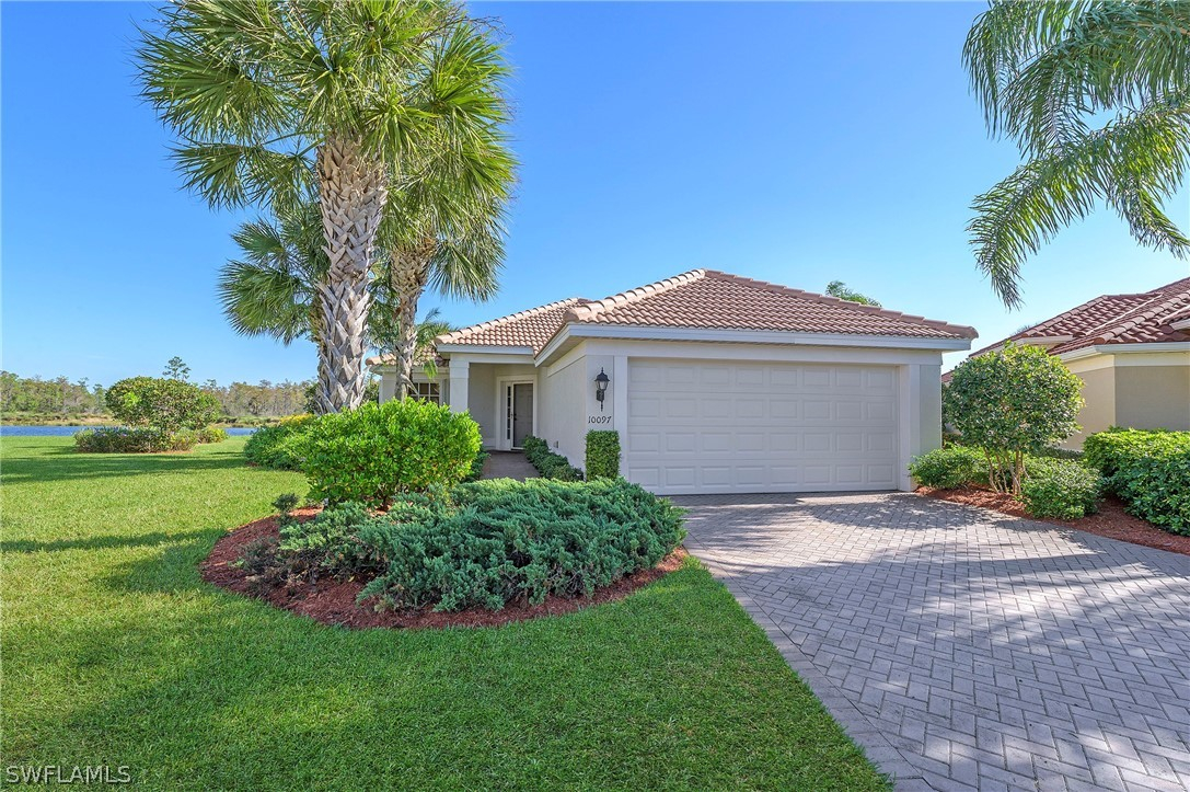 Colonial Country Club, Fort Myers, Florida Real Estate