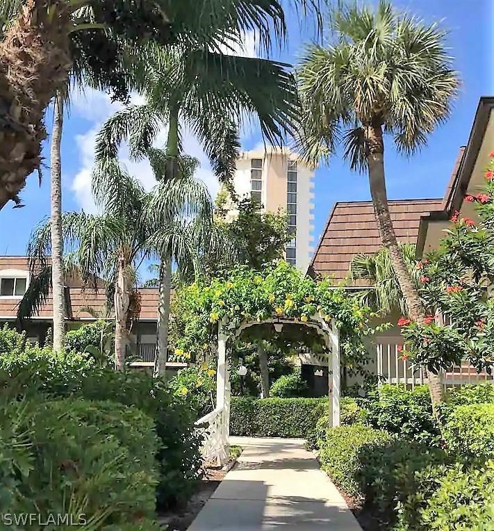 Island Manor, Marco Island, Florida Real Estate