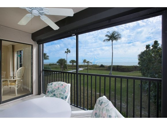 Pelican's Roost, Sanibel, Florida Real Estate