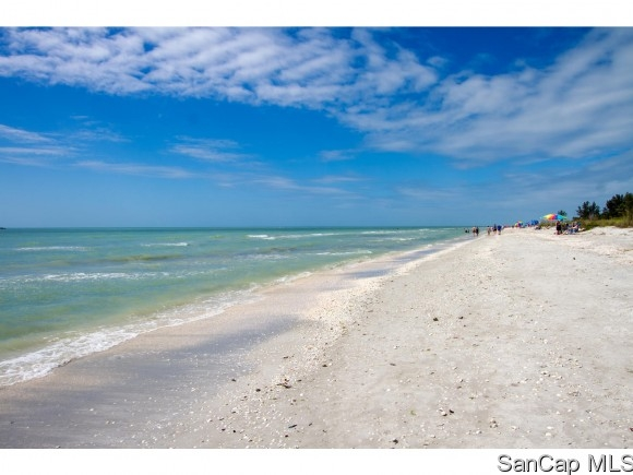 Pointe Santo de Sanibel, Sanibel, Florida Real Estate