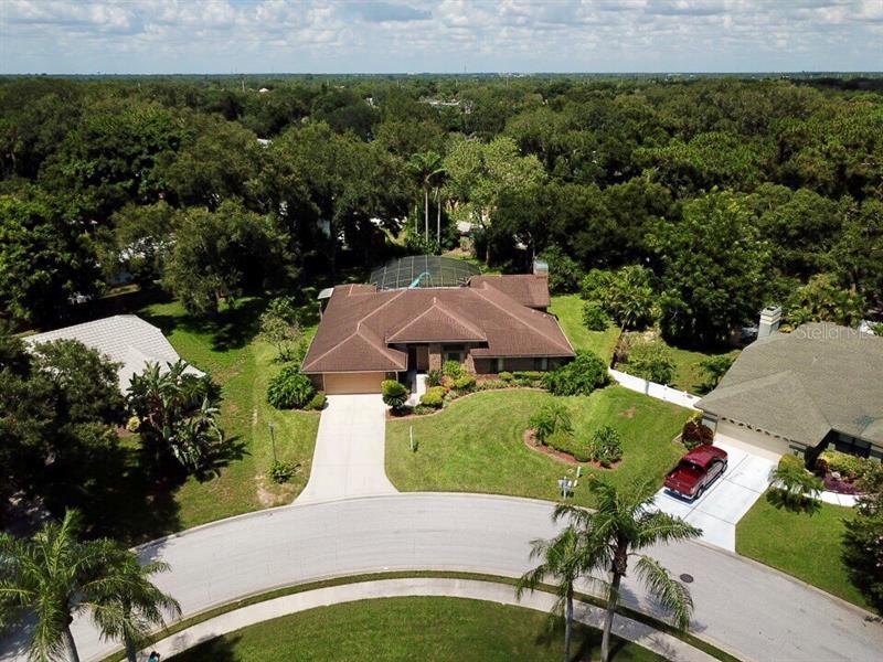 Southfield, Sarasota, FL