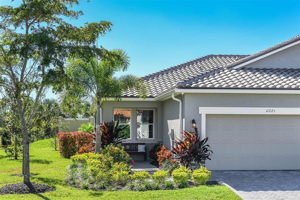 MLS# T3335946 Property Photo