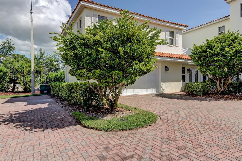 MLS# T3333760 Property Photo