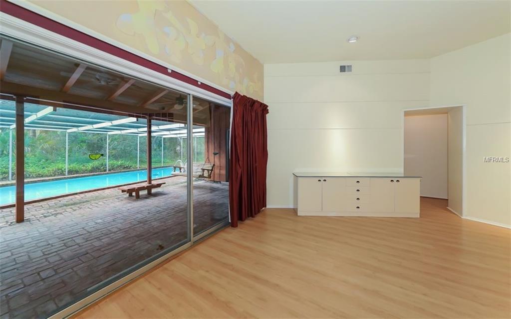 A4422371 Property Photo