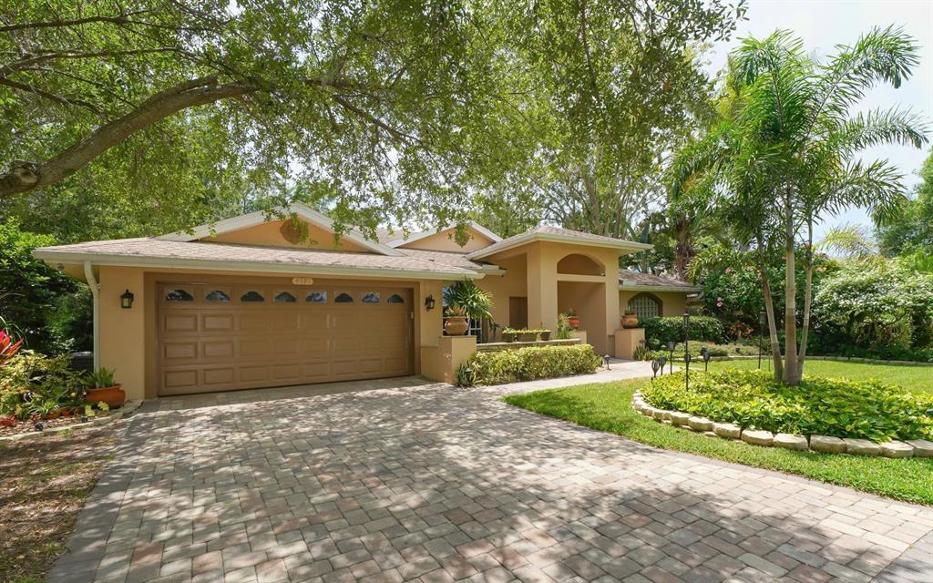 Country Manor, Sarasota, FL