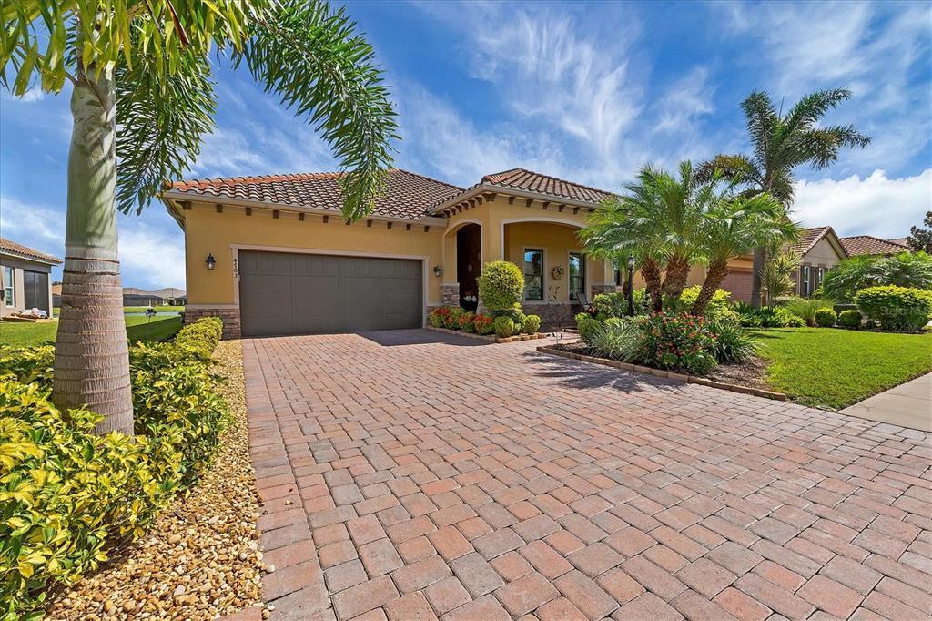 A4512487 Property Photo