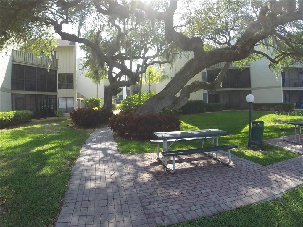 Bay Oaks, Sarasota, FL